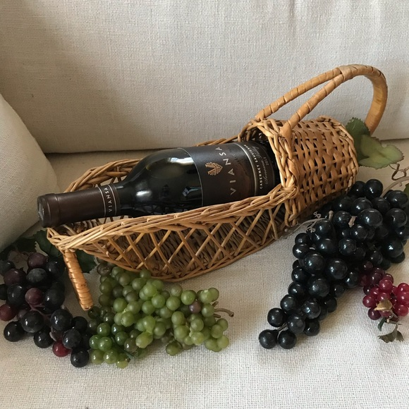 VINTAGE WICKER WINE BOTTLE HOLDER BASKET W/ HANDLE